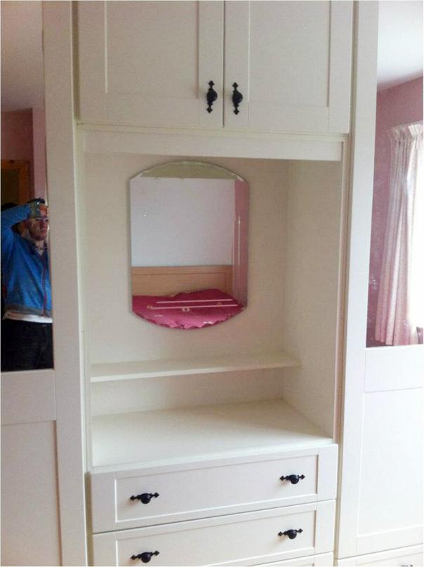 Ivory-PVC-wardrobe-with-dressing-table-Ballyhaunis-Co.Mayo-Ireland-002