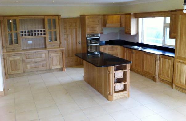 Solid-Oak-kitchen-with-black-granite-tops-Ballyhaunis-Co.Mayo-Ireland-001