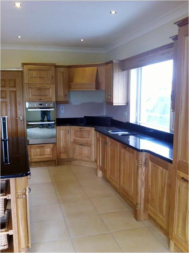 Solid-Oak-kitchen-with-black-granite-tops-Ballyhaunis-Co.Mayo-Ireland-002
