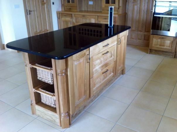 Solid-Oak-kitchen-with-black-granite-tops-Ballyhaunis-Co.Mayo-Ireland-005